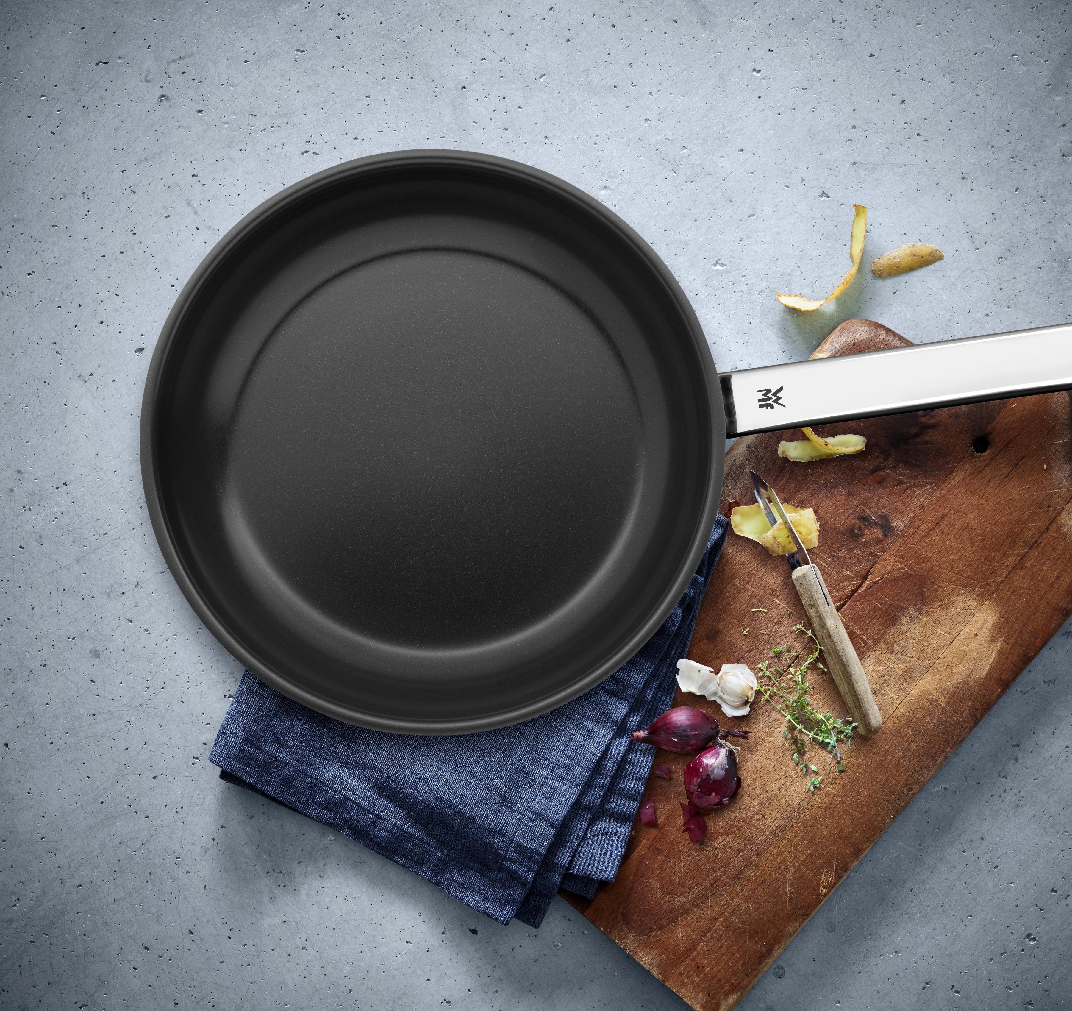 Yapışmaz kaplaması ile pratik ve sağlıklı lezzetler