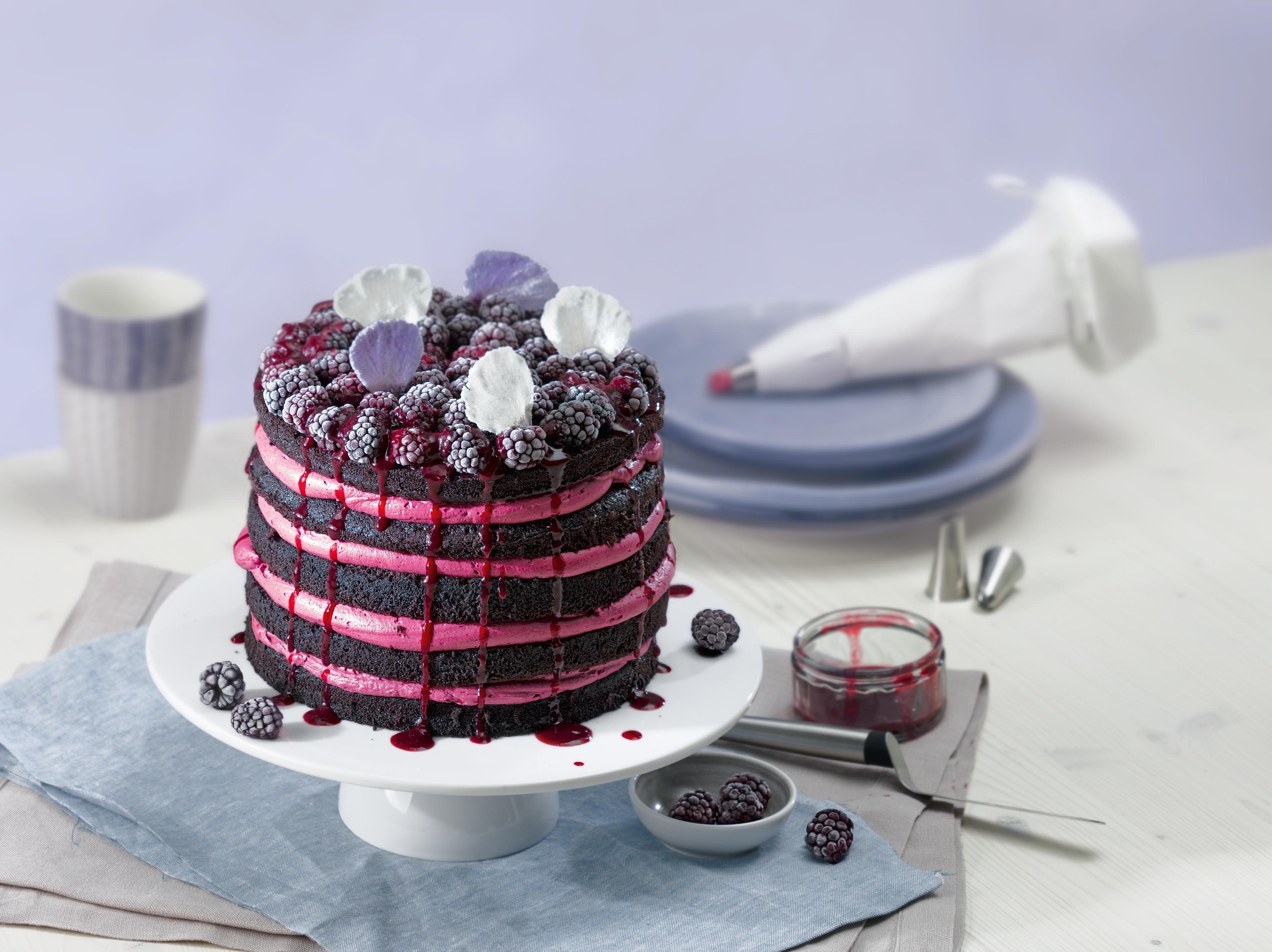 La Forme Plus Profesyonel Süsleme Seti 7 Parça: Pastanızı ve keklerinizi mükemmel süslerle donatın