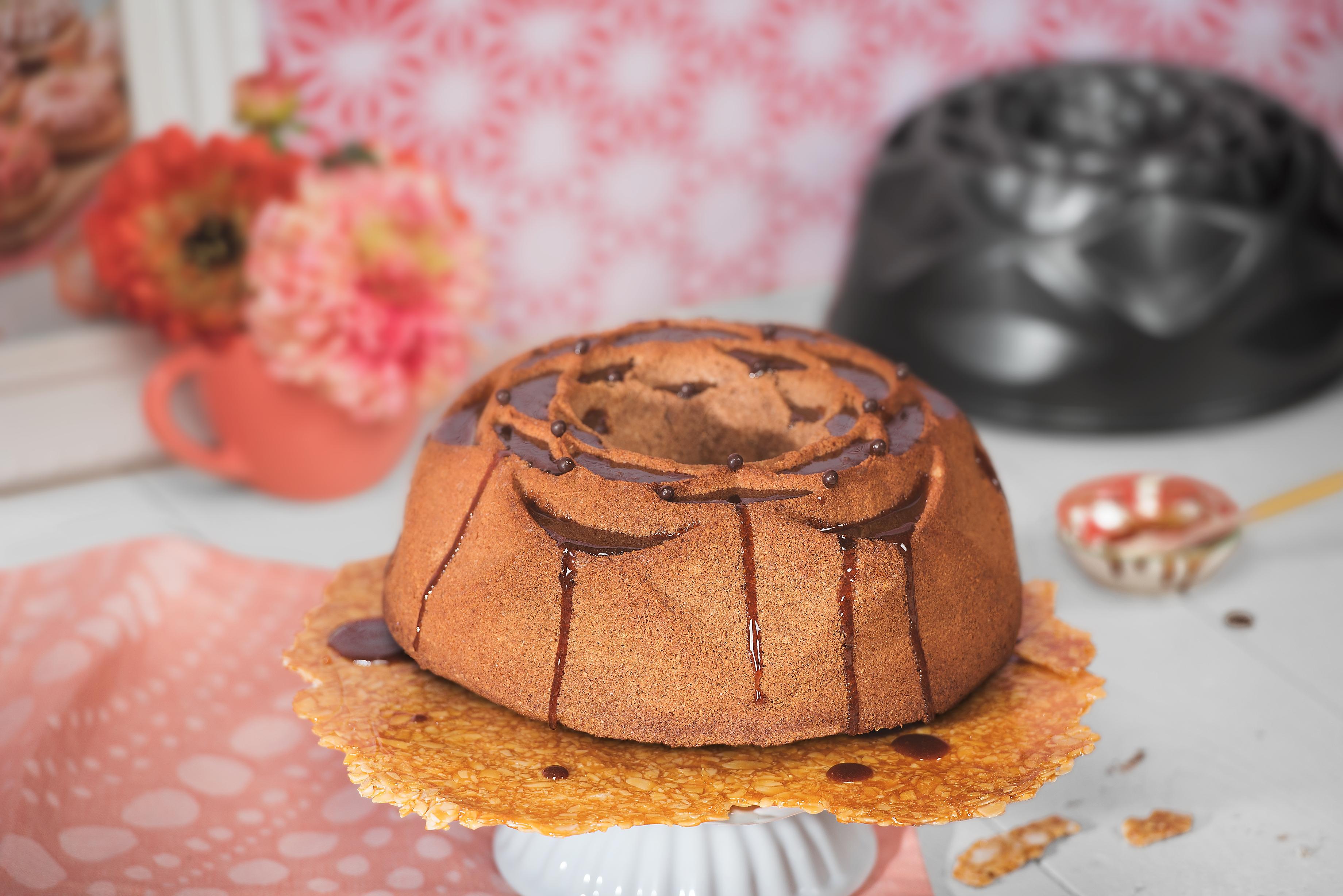 Kaiser Twister Borulu 25cm Kek Kalıbı: İlham dolu kekler ve pastalar
